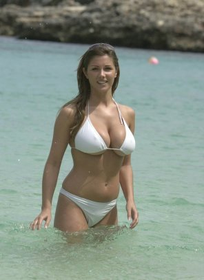 amateur photo Lucy Pinder can't find a bikini that fits