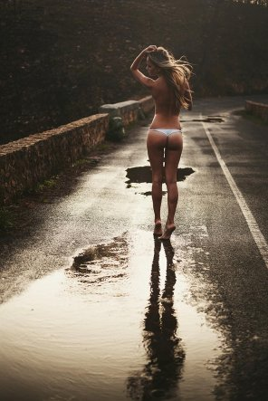 amateur photo Wet road
