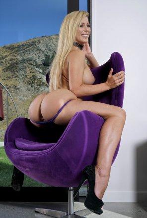 amateur photo Cherie's Astounding Ass
