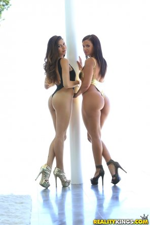 amateur photo Nina North and Keisha Grey