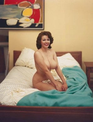 amateur photo Retro curves