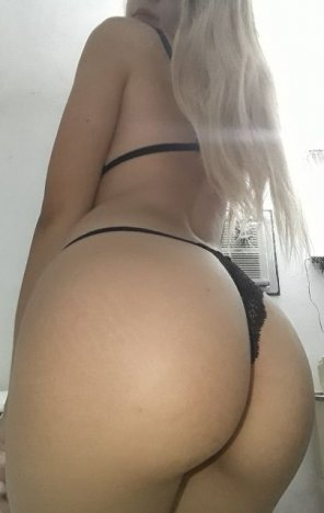 amateur photo Loving black underwear 😈