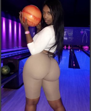 amateur photo 3 bowling balls