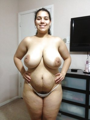 amateur photo Big tits and a cute belly
