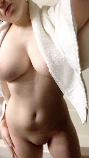 amateur photo Drying after the shower