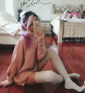 amateur photo Asian thigh highs