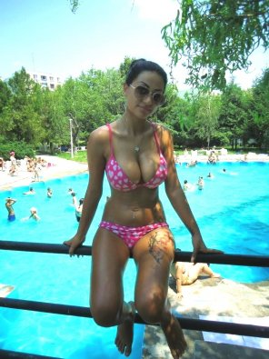 amateur photo Hot pool girl