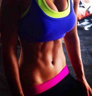 amateur photo Great abs to go with the fabulous tits