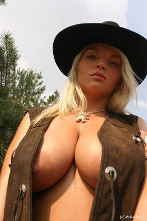 amateur photo cowgirl Ines Cudna