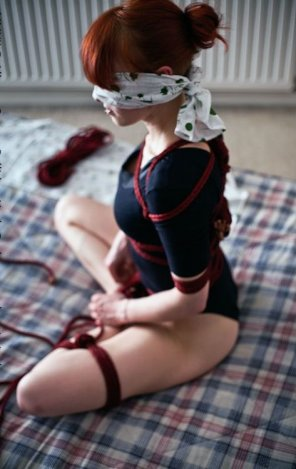 amateur photo Blindfolded redhead