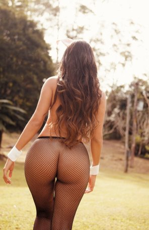 amateur photo Brunette with a banging booty