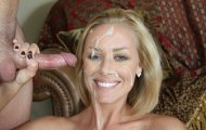 Smiling Nicole Aniston