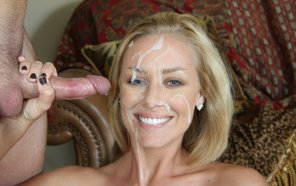 amateur photo Smiling Nicole Aniston