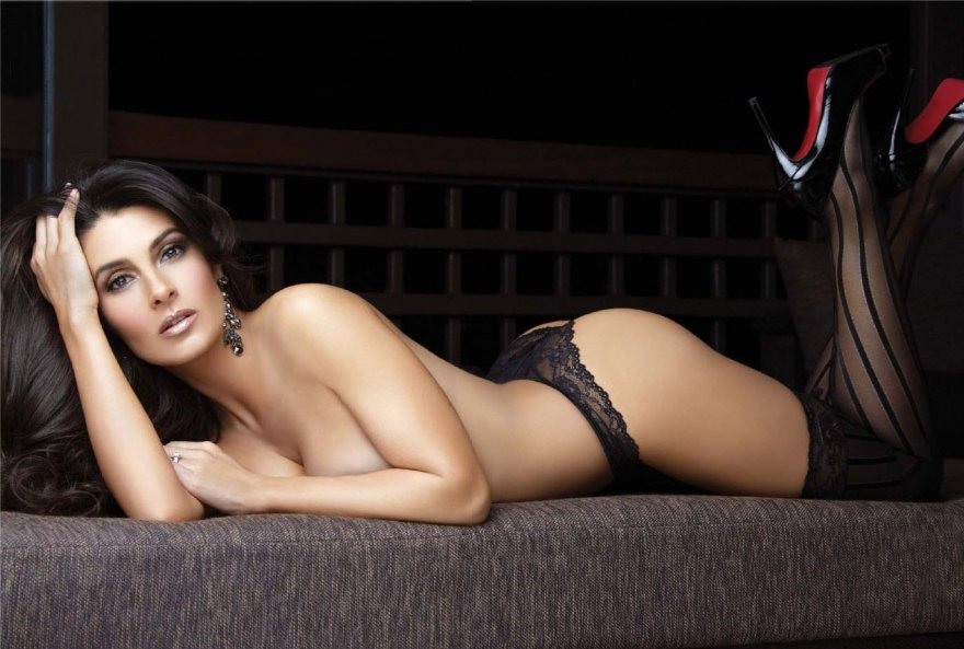 Mayrín Villeneuva Porn Photo