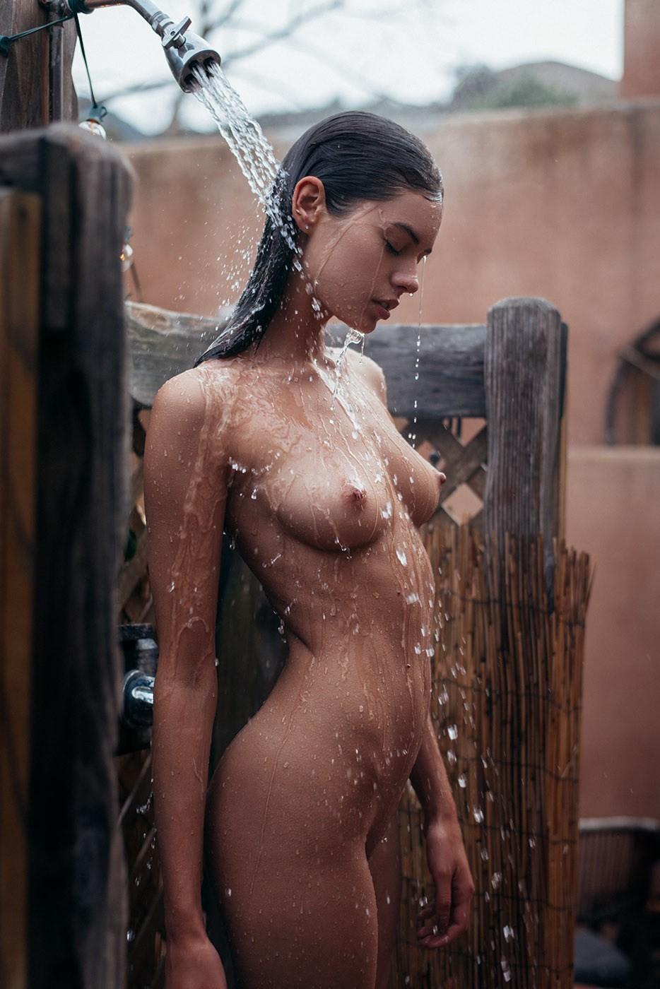 naked women full figured