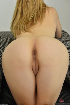 amateur photo Beauty from behind