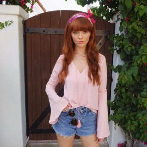 amateur photo Hannah Rose May