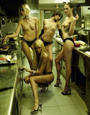 amateur photo Chefs in a fine dining restaurant