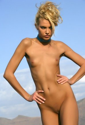 amateur photo Perfect tan skin tone