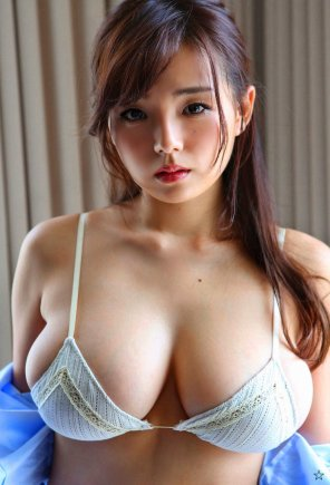 amateur photo Busty Ai Shinozaki