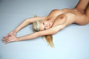 amateur photo Blondie Strewn About