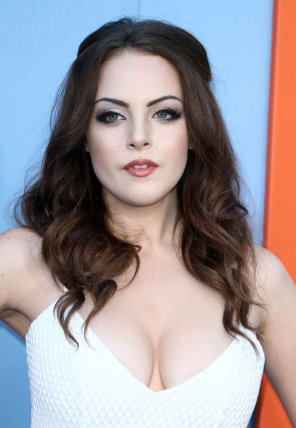 amateur photo Elizabeth Gillies