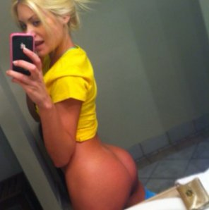 amateur photo Riley Steele, iphone selfie