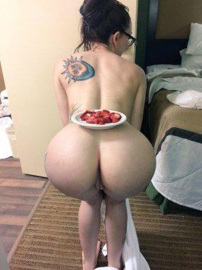 amateur photo strawberries
