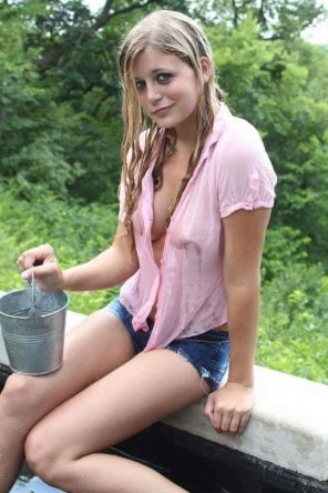 amateur photo Hot day, wet girl