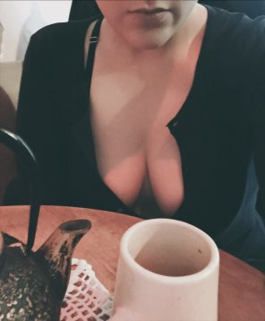amateur photo Going mild at the tea house. [f]