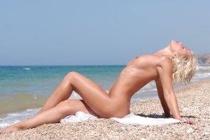 amateur photo Beach Blonde