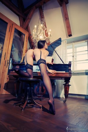 amateur photo Caprice on the ivories