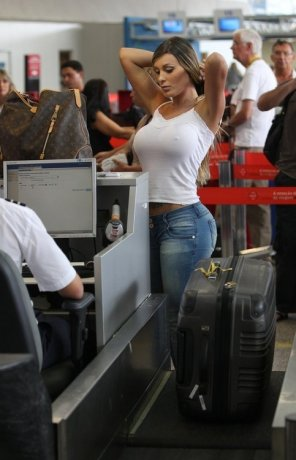 amateur photo Big tits seethru at the airport