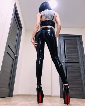 amateur photo Latex Legs for Days