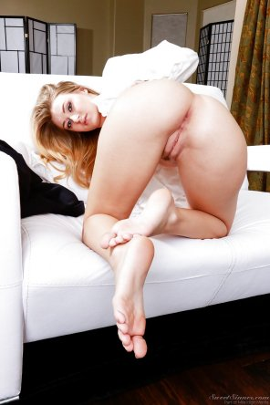amateur photo Natalia starr inviting them in