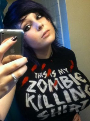 amateur photo Zombie killing shirt