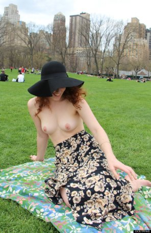 amateur photo Topless in Central Park