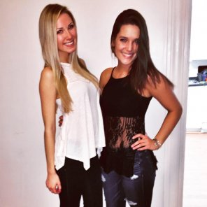 amateur photo Blonde & Brunette