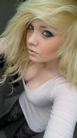 amateur photo Stacked blonde