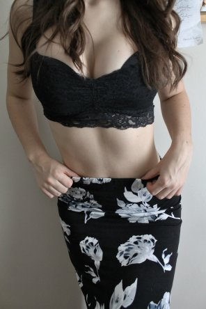 amateur photo Skirt and Bra