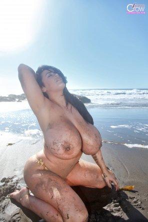 amateur photo Leanne Crow at the beach