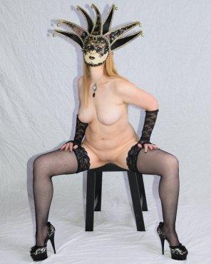 amateur photo Venetian Mask - Spreading On Chair
