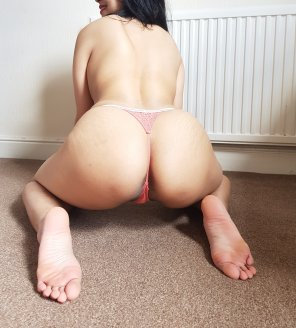 amateur photo Ass, check. Thong, check. ♥