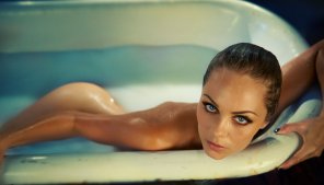 amateur photo Laura Vandervoort