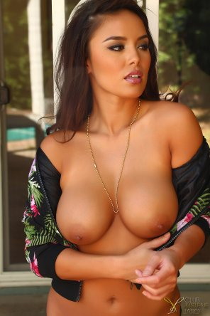 amateur photo Justene Jaro