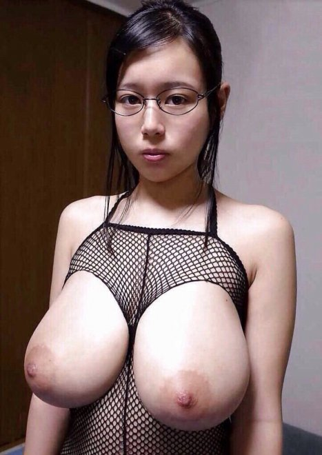 Oriental stacked Porn Photo