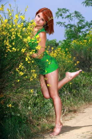 amateur photo Redhead in green