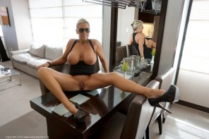 amateur photo Milf spreading her Legs