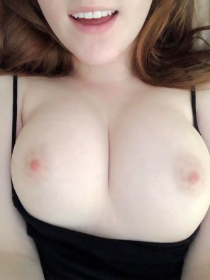 amateur photo Buttery white boobs + ghosties = 10/10