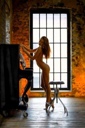 amateur photo Piano practice